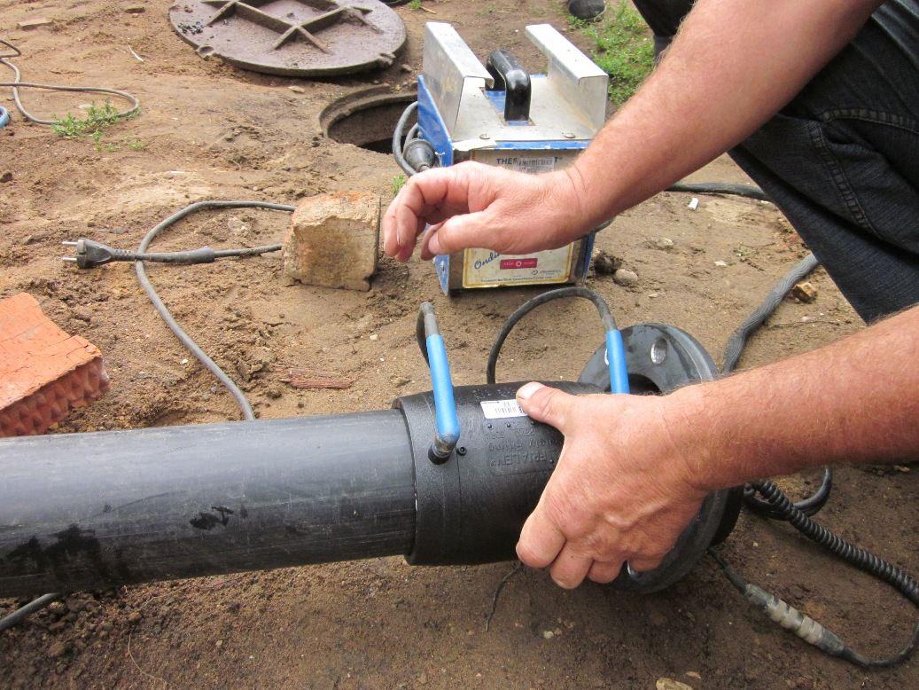 Монтируем полиэтиленовый трубопровод своими руками