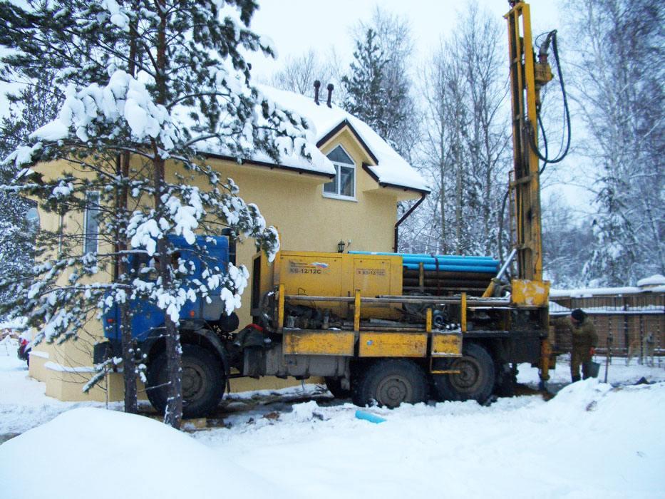 Выгода бурения скважины на воду в зимнее время года