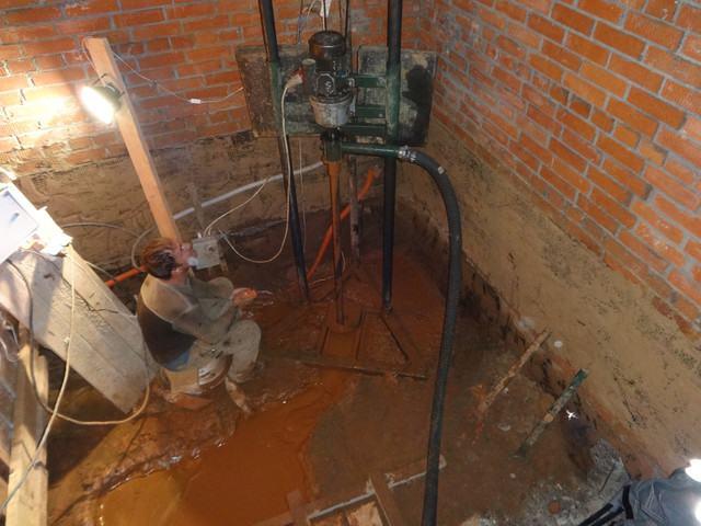 Нюансы бурения скважины на воду своими руками в доме