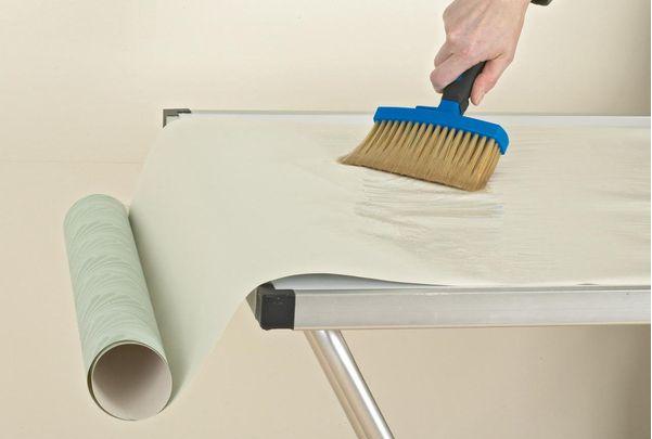 Как из муки сварить клейстер для обоев и бумаги