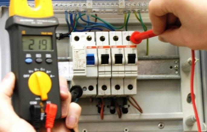 Цветовая и буквенная маркировка проводов в электрике по стандартам ПУЭ