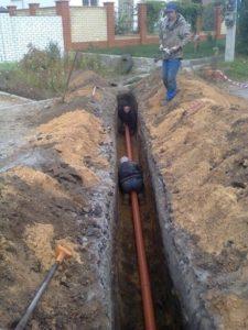 трубопровод засыпают землёй